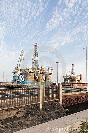 gas-y-plataforma-de-la-plataforma-petrolera-en-el-puerto-de-tenerife-41519203